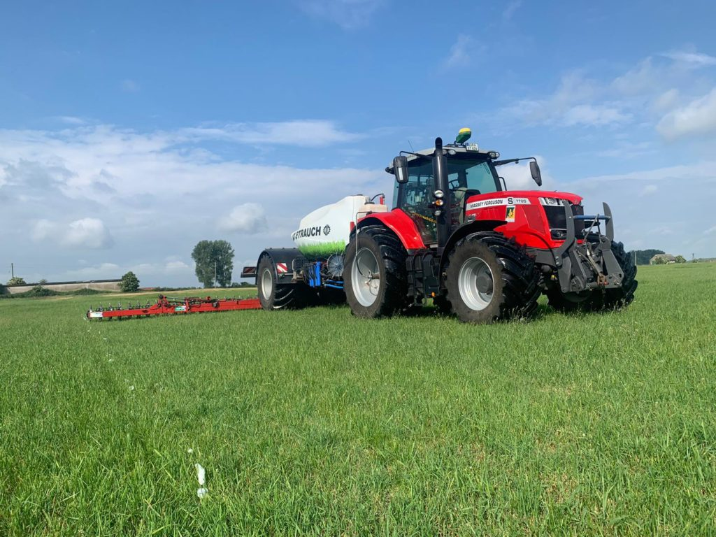 MF 7720 S mit Duport Liquilizer